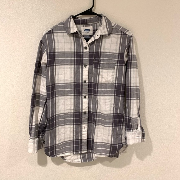 Old Navy Tops - Plaid long sleeve button down
